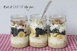 Overnight Breakfast Oatmeal and Fruit in a jar healthy and convenient recipe