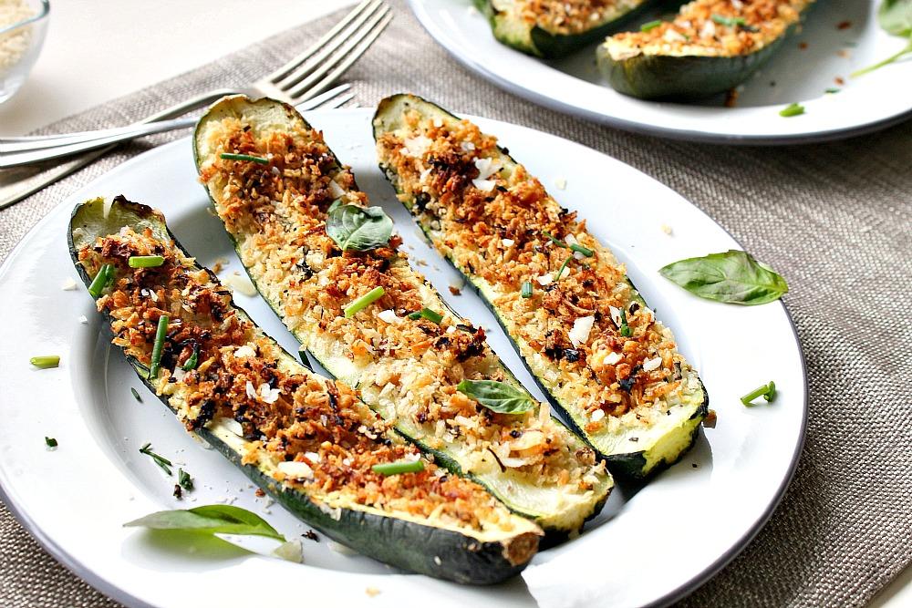 Stuffed zucchini courgettes