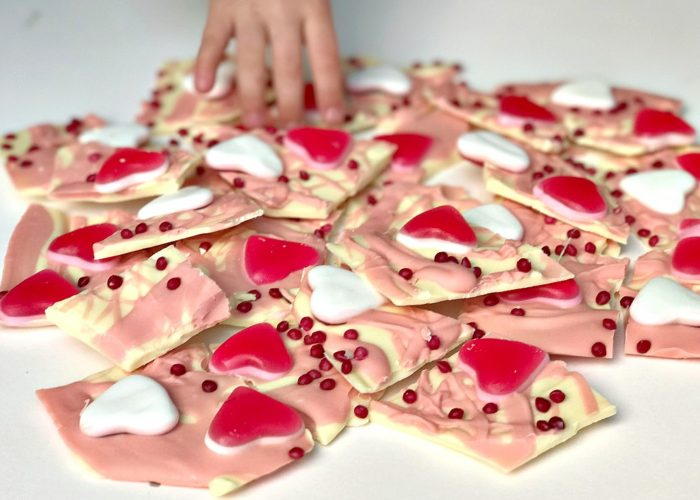 Valentine's Day Treats: Easy Chocolate Bark